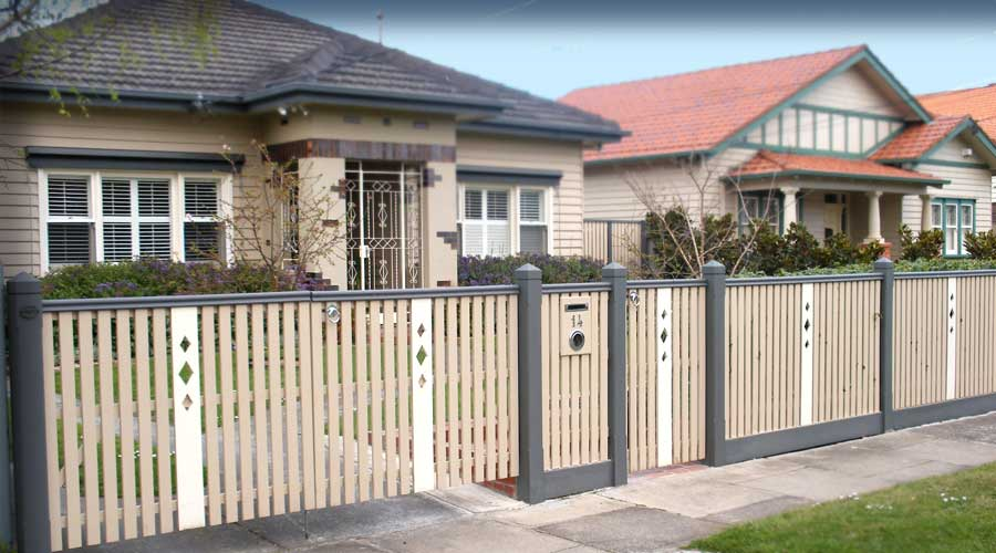 Fence includes Federation Middle Section Confirguration, No. 2 Post Top, Bannister capping, decorative Balustrade inserts and Windsor style Letterbox