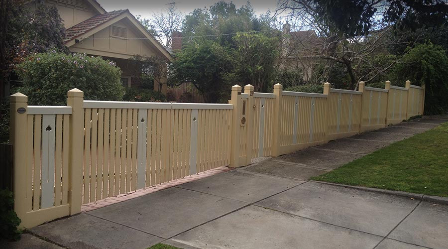 Stepped Federation featuring No.2 style post top, Stonnington Capping and decorative Balustrade inserts.